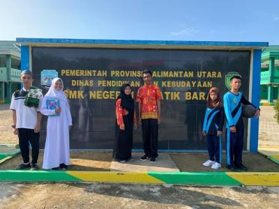 Seragam Gamis, Batik SMK dan Baju Olahraga